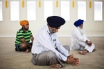 Oregon, Detainees, hundreds gather in oregon detention center seeking access to detainees, Sikh