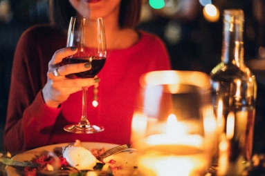 10 Amazing Health Benefits of Guzzling Red Wine